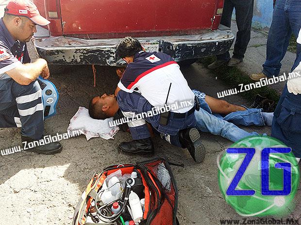 En el lugar quedó herido pero sin lesiones de gravedad el conductor de la motocicleta, quien fue identificado como Luis Héctor Dávila. [FOTO: ZG]