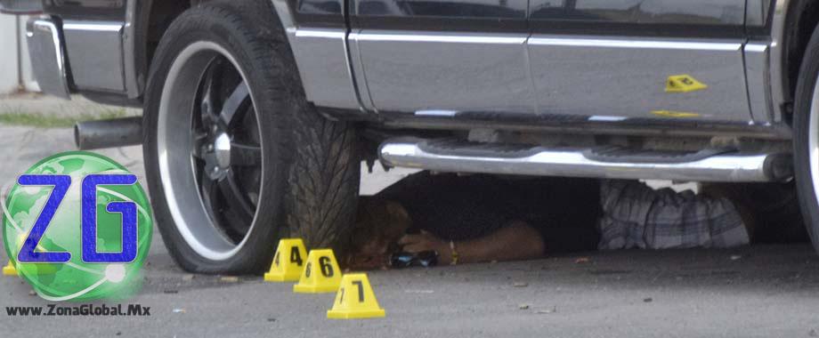 Los hechos ocurrieron en la colonia Los Olivos, cuando sujetos armados dispararon en repetidas ocasiones contra la pick up, en la que se trasladaban las víctimas.