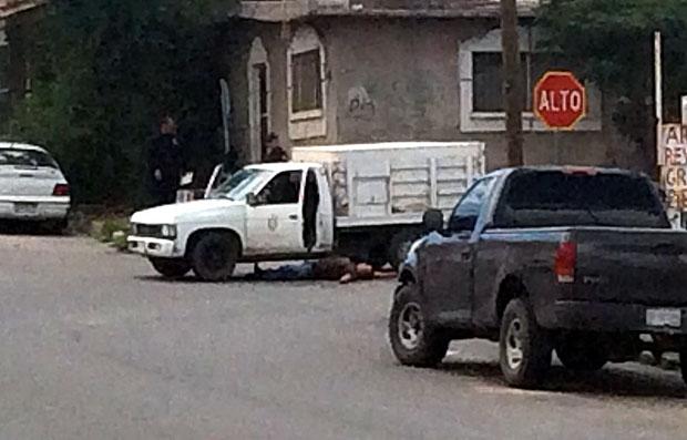 Agentes policiacos ubicaron la unidad tipo pick up, color blanco, con el número económico 1830 y logos de Servicios Públicos Municipales.