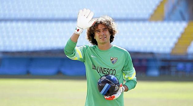 El portero espera forjarse su propia historia en el Málaga. Ha sido presentado y ya viaja con el equipo a Alemania y Suiza. Da las gracias al club porque ha logrado dar el salto a la Liga española, uno de sus sueños.