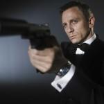 James Bond tampoco se salvó de la corrupción Mexicana