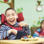 AMLO miente: prioriza béisbol sobre educación de personas con discapacidad