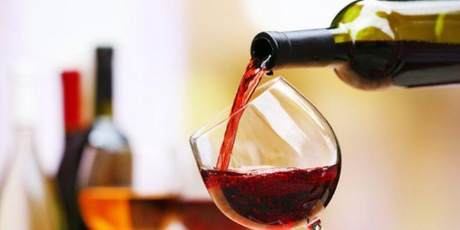 Una copa de vino equivale a una hora en el gym según estudio